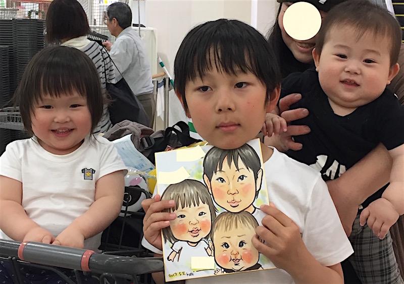 子供向け製品の販促イベントに似顔絵!